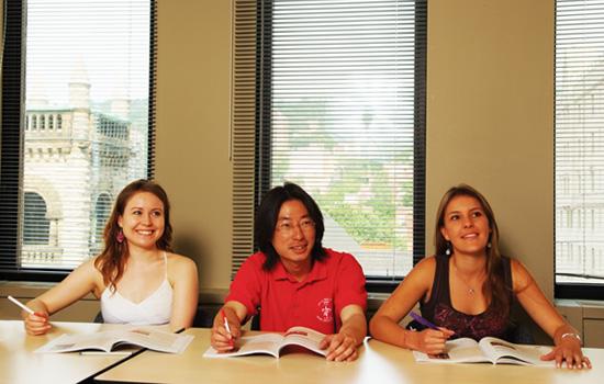 La multiculturalidad de sus alumnos enriquecerá tu estancia, al mismo tiempo que mejoras tu inglés. -