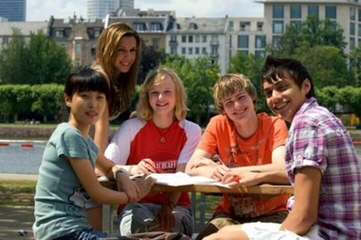 Vivir una experiencia inolvidable y harás amigos de todas las nacionalidades - Hacer nuevas amistades durante el curso de alemán en Frankfurt.
