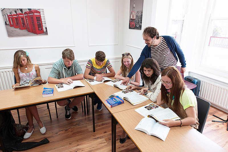Clases de inglés en Brighton - Aprender inglés este verano en el campus universitario de Brighton.
