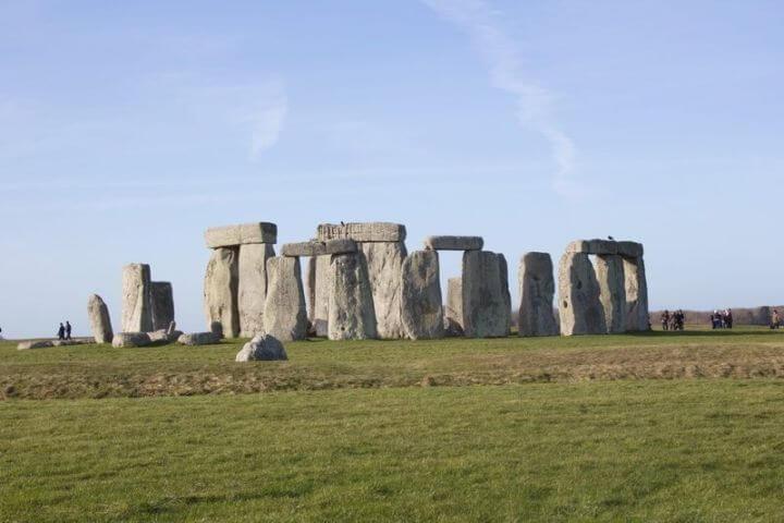 Visitas a lugares históricos - Salidas a lugares como Stonehenge, Oxford, Londres, Pool o Portsmouth