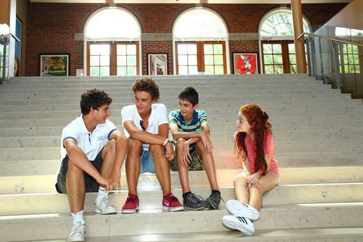 Encontrar nuevos amigos - Los alumnos vienen de todo el mundo.