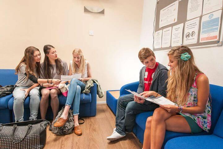Clases en un ambiente internacional - En el programa de inglés en Brighton conocerás a estudiantes de diferentes partes del mundo.