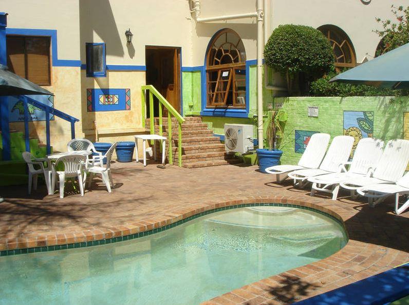 La piscina dentro del complejo -  LAL Cape Town, Sudáfrica