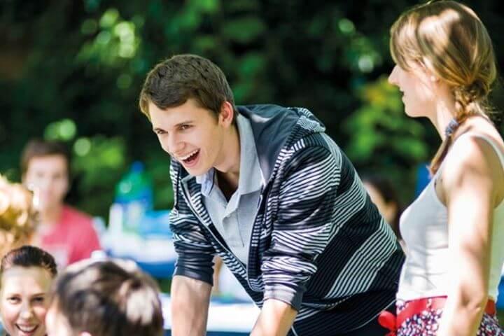 Programa sociocultural variado - Actividades para conocer Oxford y sus alrededores